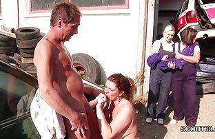 تعال لزيارة الفتاة ووضع يدها في سكس بنادمين مع حيوانات مهبلها